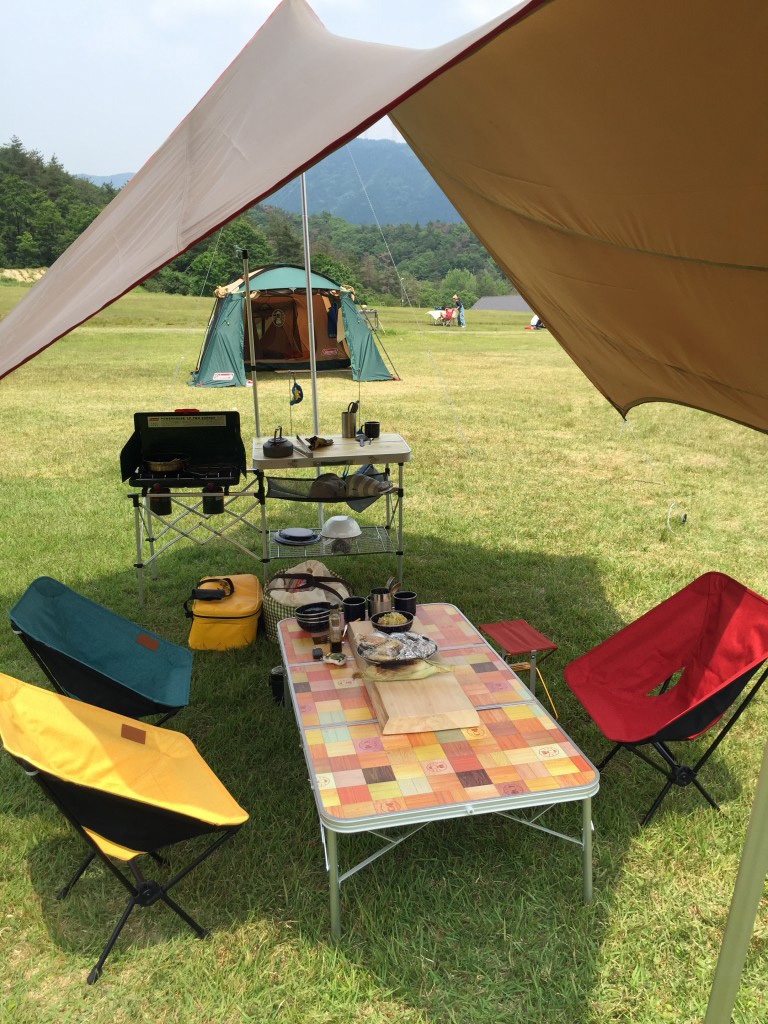 タープとテントをこんなに離して設営してもOK! 素敵!